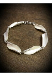 Shell Silver Repeat Link Bracelet
