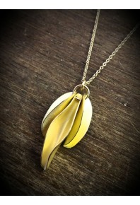 Mini Chilli 18ct Gold Triple Pendant